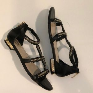 Vince Camuto Gladiator style sandals 6 1/2
